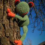 Als echter Baumfrosch ? liebt Fred das Klettern