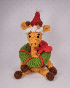 Giraffe Glenn hat einen weiteren Verwendungszweck für den Mini-Kranz gefunden...