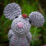 Feunde fürs Leben! Mini-Rosalie mit ihrem Marienkäfer ??